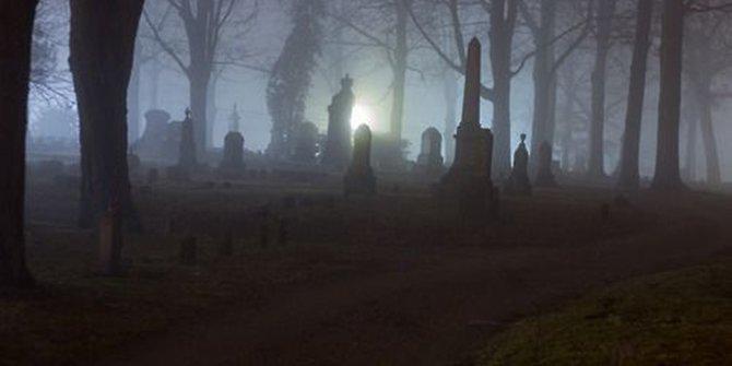 Praktik Kuburan Hantu