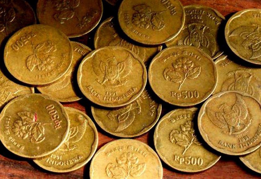 Uang emas 500 rupiah mengkilat