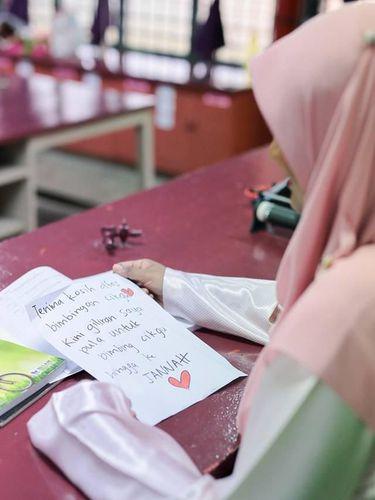 Surat Cinta Guruku Istriku