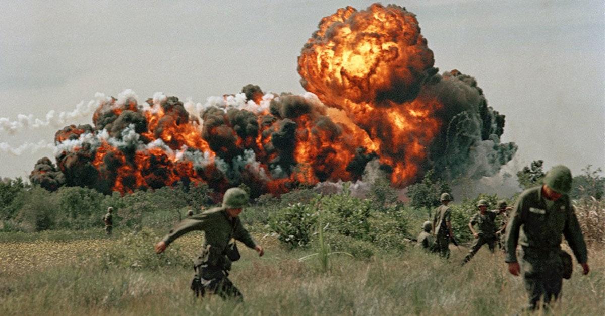 Bom Napalm Amerika di Vietnam
